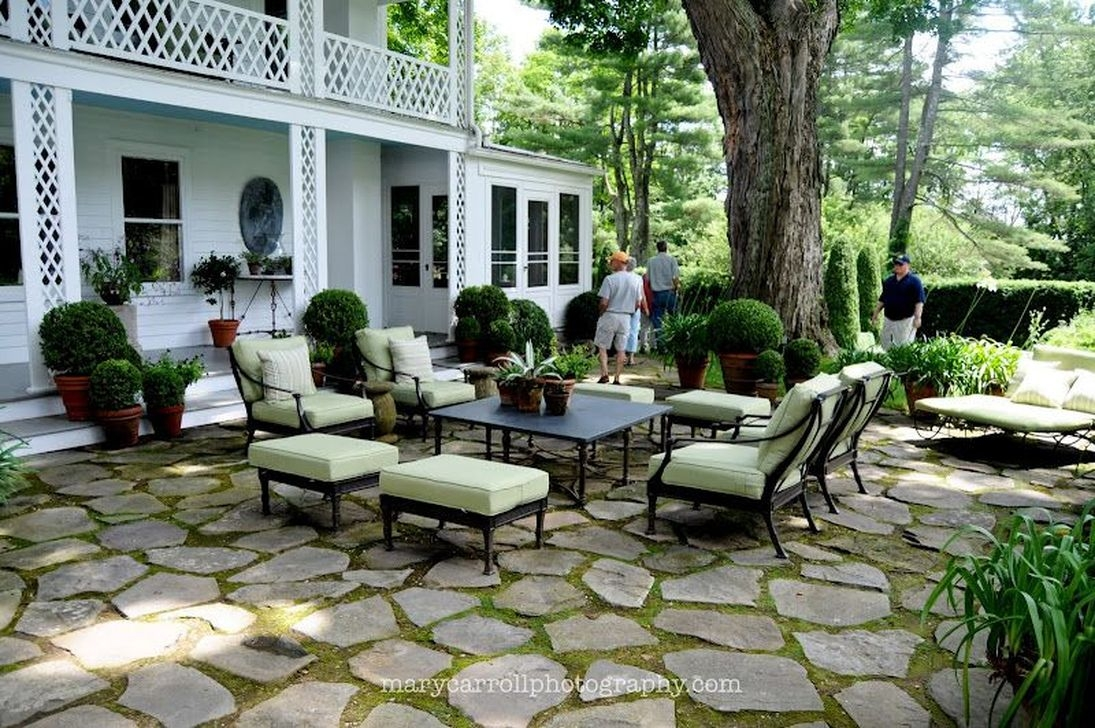 Beautiful Garden Flooring Ideas 38