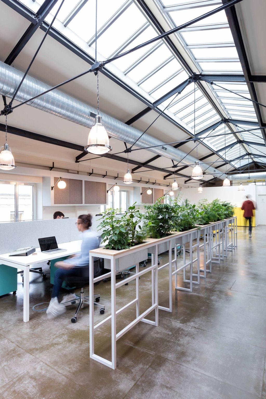 Magnificient Industrial Office Design Ideas 23