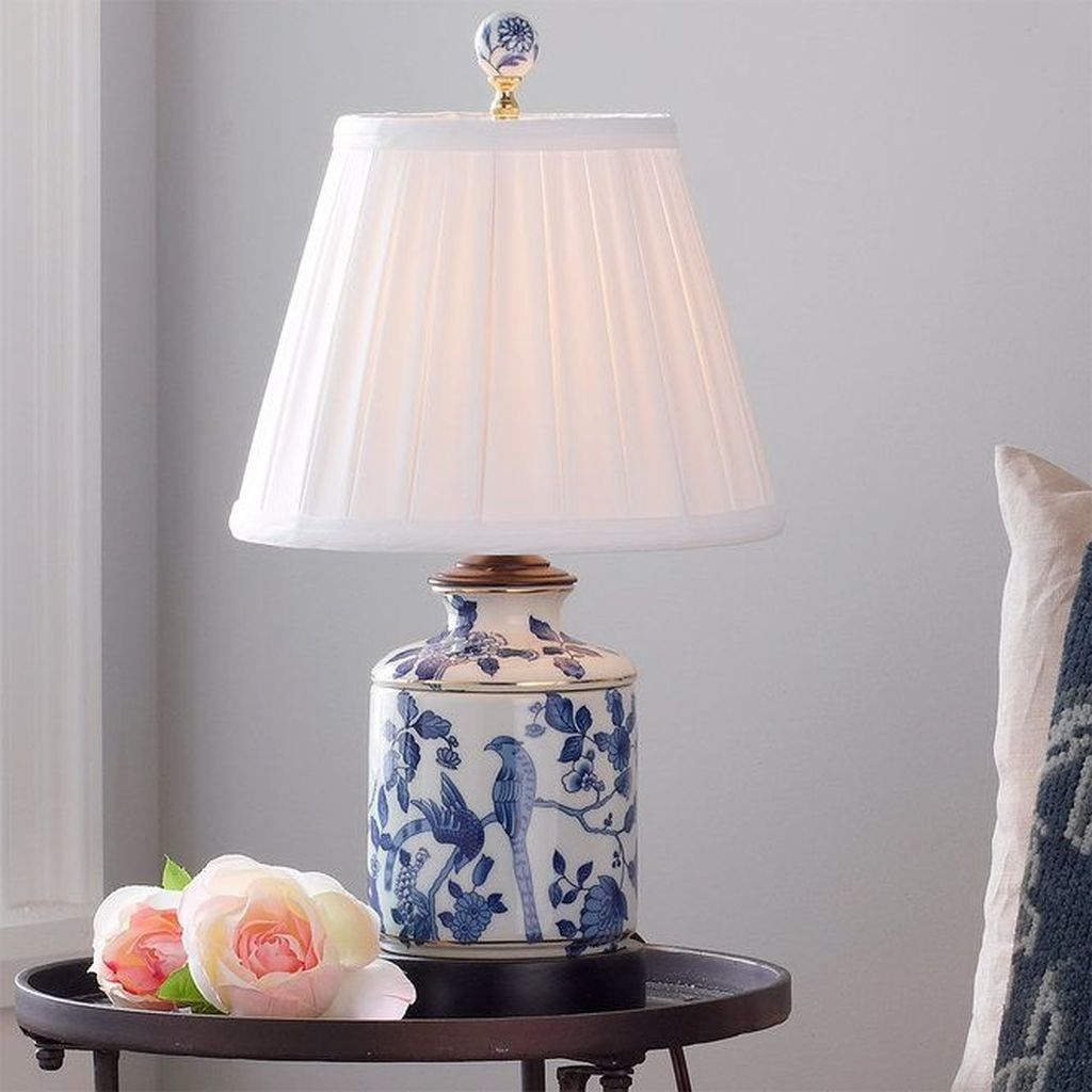 Fancy Living Room Decor Ideas With Ginger Jar Lamps 01