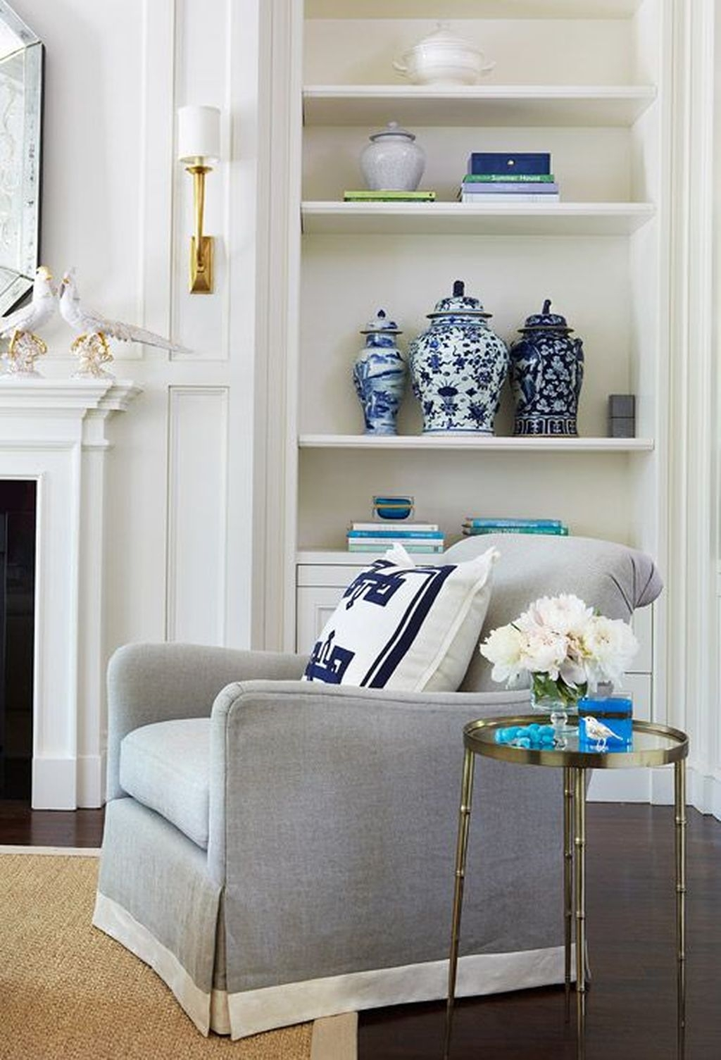 Fancy Living Room Decor Ideas With Ginger Jar Lamps 19