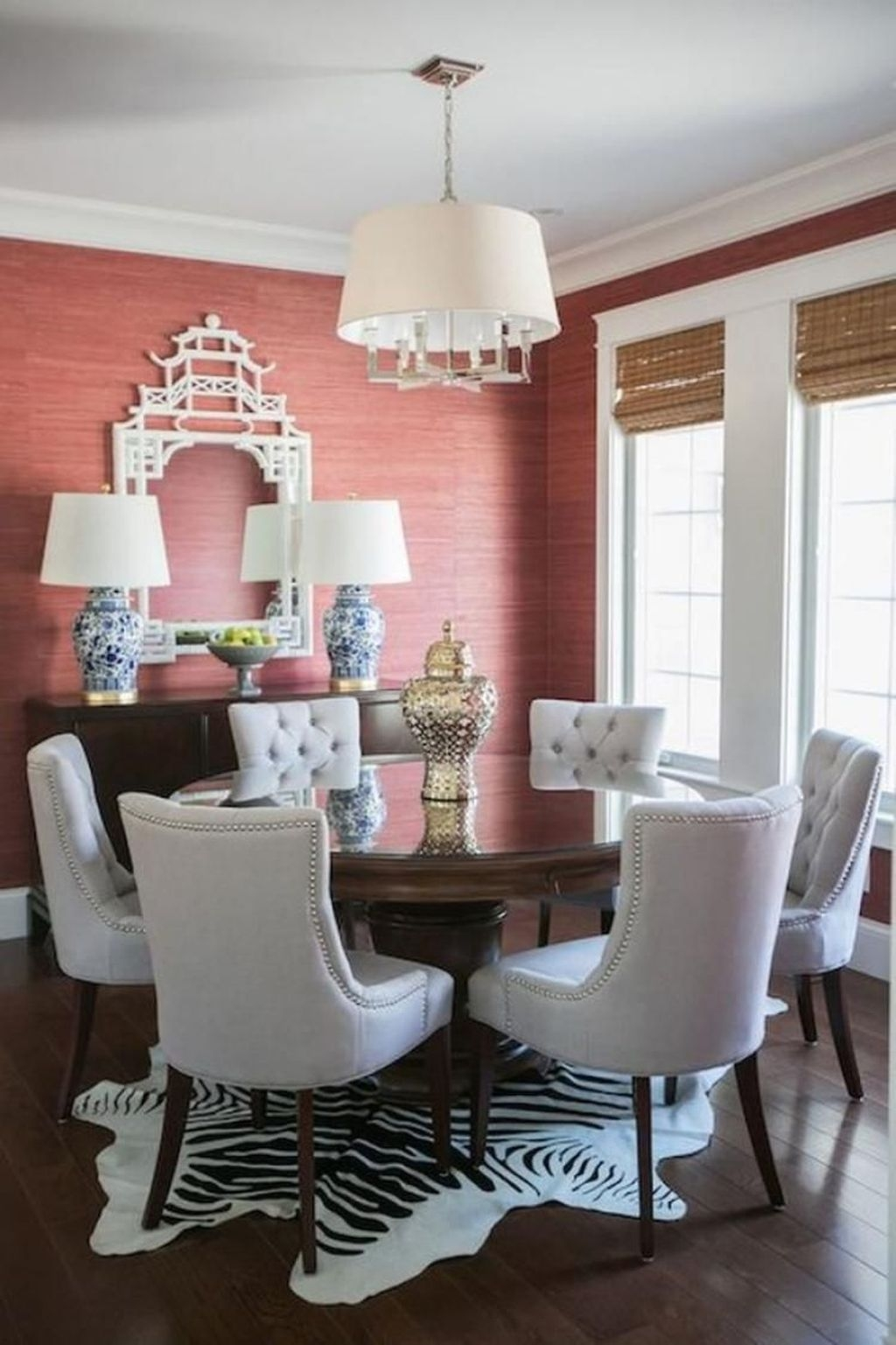 Fancy Living Room Decor Ideas With Ginger Jar Lamps 35