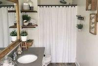 Popular Farmhouse Small Bathroom Decorating Ideas 31