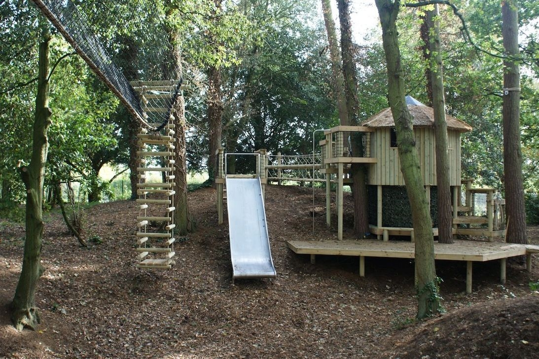 Captivating Treehouse Ideas For Children Playground 17