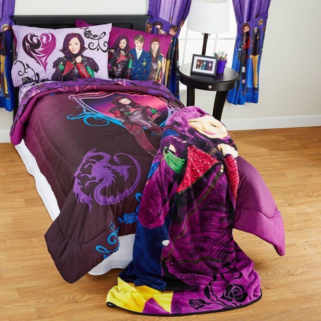 Adorable Disney Room Design Ideas For Your Childrens Room 08