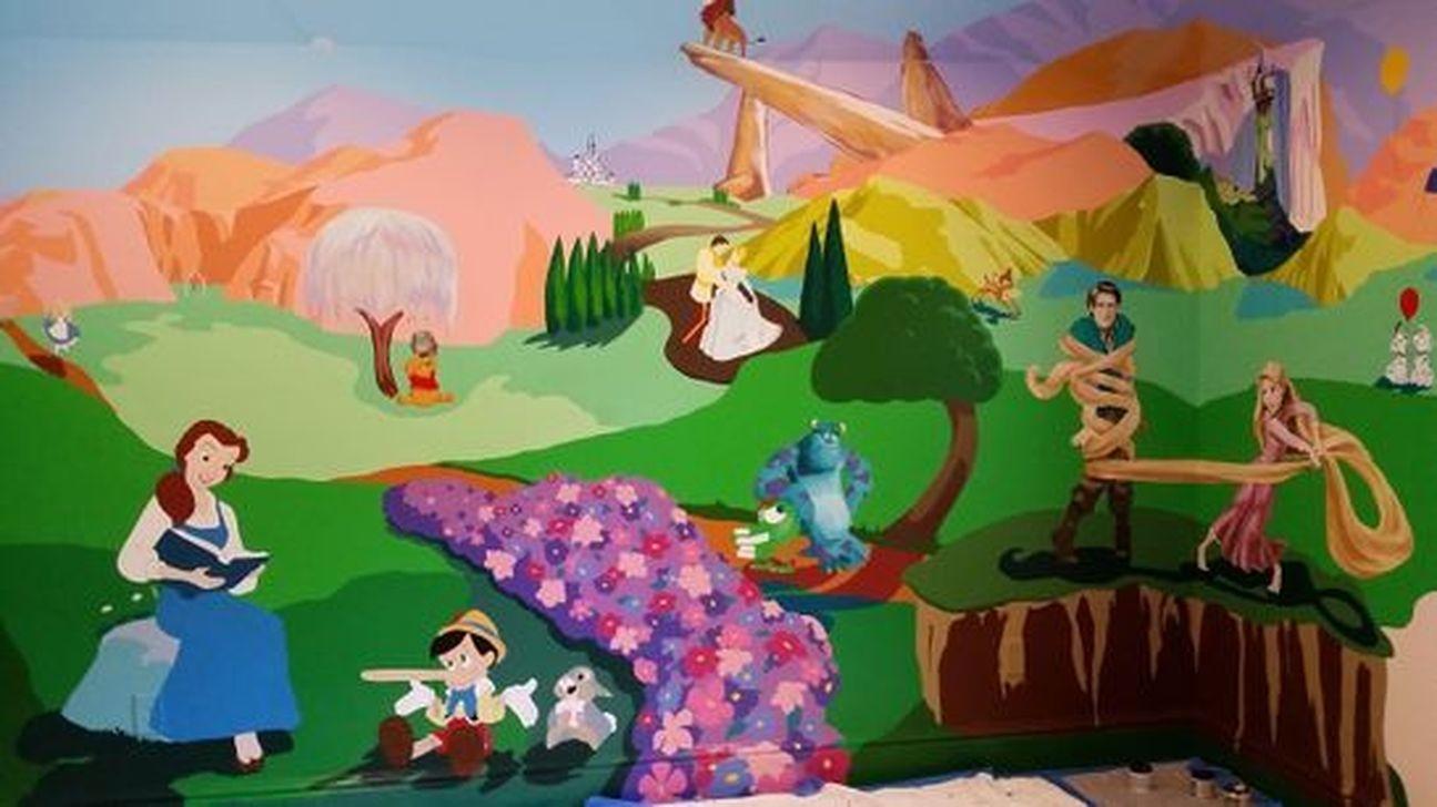 Adorable Disney Room Design Ideas For Your Childrens Room 21