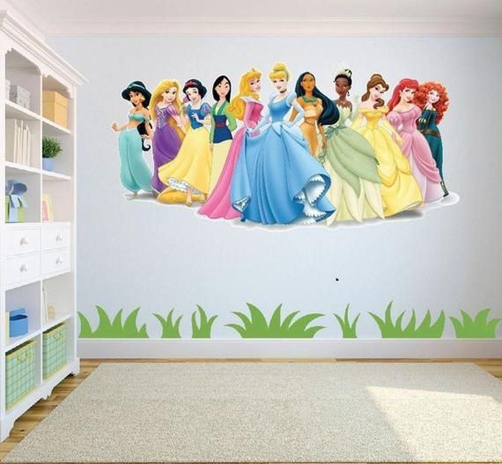 Adorable Disney Room Design Ideas For Your Childrens Room 22