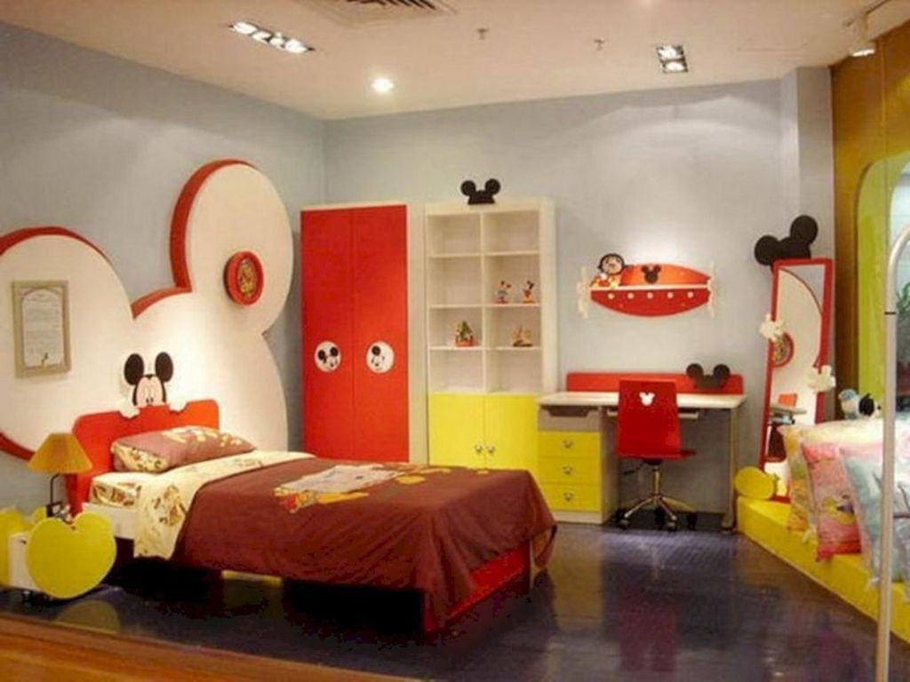 Adorable Disney Room Design Ideas For Your Childrens Room 32