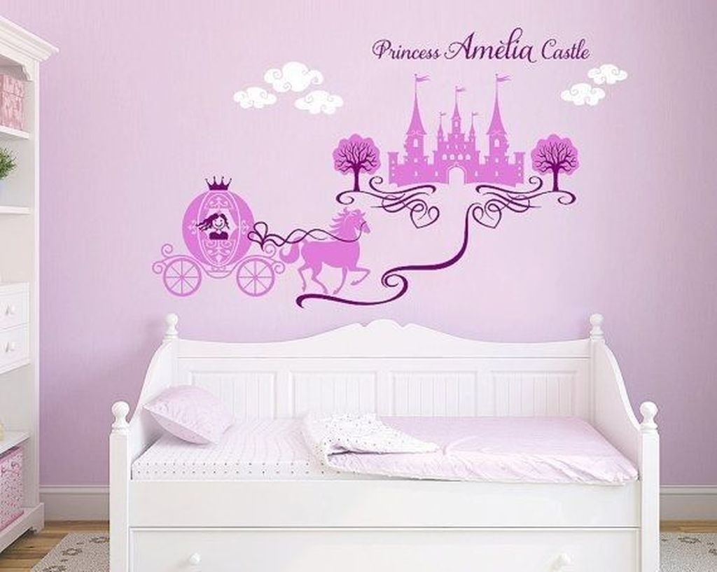 Adorable Disney Room Design Ideas For Your Childrens Room 41