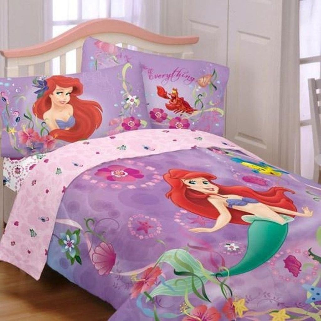 Adorable Disney Room Design Ideas For Your Childrens Room 44
